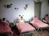 Départ pour une colonie de vacances du comité d'établissement, 1965